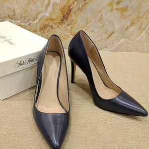 Saks Fifth Avenue Navy Leather Heel SZ 7M